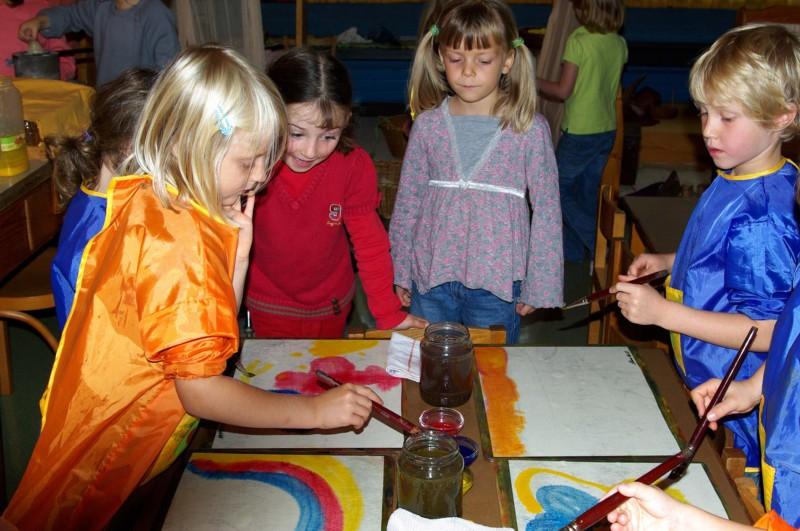 Rudolf Steiner Schule Sihlau – Malen im Kindergarten